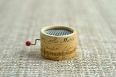 How unique and cute is this for favors!!      Music box Musical Staff. Personalized with your song by esdemusica, €12.50