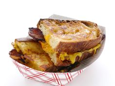 Grilled Cheese With Bacon and Thousand Island Dressing from FoodNetwork.com