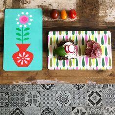 lecker Schnittchen auf unseren farbenfrohen Brettchen #meesundmees #foodporn #colourful #kitchen #jolijou