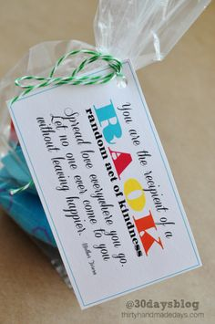 Random Acts of Kindness Cards. Make someone smile today with a simple gift idea!   www.thirtyhandmadedays.com
