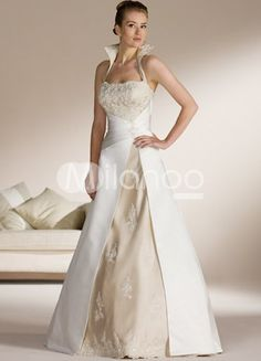 Fairy Tale like Halter Wedding Dresses - http://casualweddingdresses.net/halter-wedding-dresses-are-such-a-hit-for-casual-weddings/
