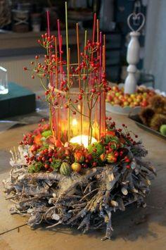 Herbst- und Adventskranz Autumn and Advent wreath Autumn and Advent wreath For other models, you can Christmas Home, Christmas Wreaths, Christmas Crafts, Christmas Decorations, Holiday Decor, Xmas, Christmas Arrangements, Floral Arrangements, Deco Floral