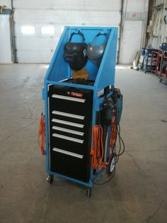 I needed a small tool cart that would hold my welding helmet, face shield, grinders and assorted welding tools. Welding Bench, Welding Gear, Welding Shop, Welding Helmet, Mig Welding, Metal Workshop, Workshop Storage, Workshop Organization, Metal Projects