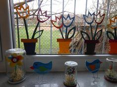 květináče - výzdoba oken ptáčci na kancelářských sponkách kytička v zavařovací sklenici