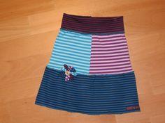 RingelRöckchen für Mädchen mit Außennähten (flatlock) frei nach dem Sporty Sweat Rock (www.frau-liebstes.com/2011/08/do-it-yourself-sporty-sweat-rock.html)