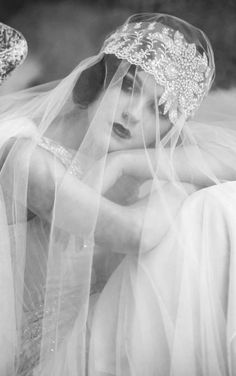 Trendy Wedding Day Pics Ideas The Bride Vintage Veils, Vintage Wedding Photos, 1920s Wedding, Vintage Bridal, Trendy Wedding, Wedding Styles, Wedding Pictures, Vintage Weddings, Wedding Colors
