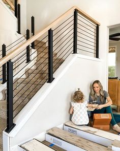 For the Home Baue ein modernes Scheunentor wie Joanna Gaines - Angela Rose Home The Flower Guide For Interior Stair Railing, Modern Stair Railing, Stair Railing Design, Modern Stairs Design, Iron Stair Railing, Foyers, Joanna Gaines, Farmhouse Stairs, Staircase Remodel