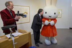 Jacques Tichelaar opent Dick Bruna-tentoonstelling in Eelde
