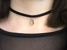 Ketten kurz - BLATT Choker retro Vintage Kette als Halsband gold - ein Designerstück von Mont_Klamott bei DaWanda