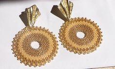 """Tutorial orecchini """"Sabbia"""" perline peyote circolare - Rocailles e Delica Miyuki nei colori Oro e Beige - Modello Cerchio #etsy #etystore #etsystudio #etsysuccess #tutorial #earrings #beads #beaded #miyuki #pattern #stitch #brickstitch #beaded #making #handmade #peyote #jewelry #pendant #star Dal 18 al 22 giugno - Codice ETSY13YEARS - Offro uno sconto! https://etsy.me/2k4Garf  via @Etsy"""