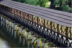 Drevený most k mlynu, Plávajúci vodný mlyn v Kolárove
