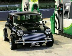 mini cooper s Mini Cooper Classic, Mini Cooper S, Classic Mini, Mini Countryman, Mini Clubman, Cool Sports Cars, Cool Cars, Retro Cars, Vintage Cars