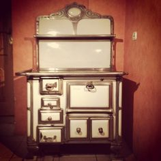 Zabytkowa kuchnia - piec Vintage Fashion, Vintage Style, Oven, Kitchen Appliances, Retro, Diy Kitchen Appliances, Kitchen Stove, Home Appliances, Appliances