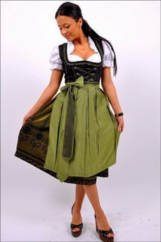 Dirndl-Oktoberfest-German-Austrian-Dress