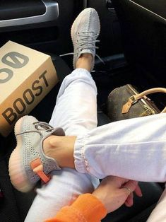 Yeezy Boost 750, Yeezy Sneakers, Shoes Sneakers, Sneakers Fashion, Yezzy Shoes Women, Yeezy Womens, Yeezy Fashion, Mens Fashion, Outfits
