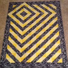 Yellow & black bubbles HST quilt top