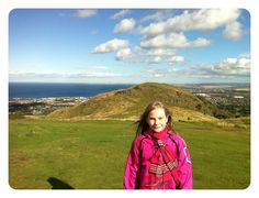 Bjergtop, Edinburgh, og nej, der var ingen andre børn deroppe;)