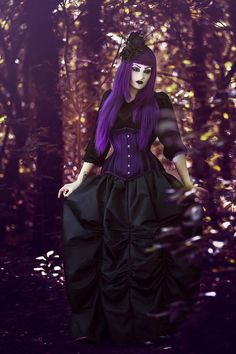 Gothic and Amazing Plum Purple Hair, Purple Haze, Gothic Landscape, Cyberpunk Girl, Gothic Steampunk, Steampunk Female, Victorian Gothic, Goth Look, Gothic Models