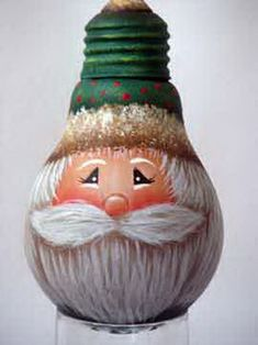 Painted Light Bulb Santa Ornament TUTORIAL L-decorative-painting-resource: A painted light bulb… a lot of you keep asking for it, so here it is! We hope you enjoy this free and original Santa design by Jodi Clerke. Recycled Light Bulbs, Light Bulb Crafts, Painted Light Bulbs, Painted Ornaments, Christmas Tree Decorations, Christmas Tree Ornaments, Lightbulb Ornaments, Santa Ornaments, Christmas Snowman