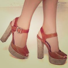 ✂️ TODAY ONLY‼️ Tan Leather Platform Sandals Super cute Leather Sandal With Suede Platform and heel Steve Madden Shoes Heels
