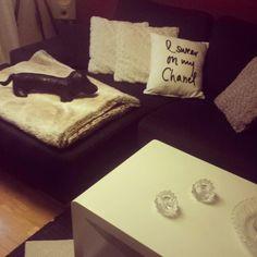 I swear on my Chanel! Livingroom