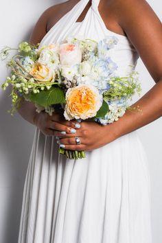 Pin for Later: Die 10 schönsten Braut-Maniküren für die Hochzeit Hellblau