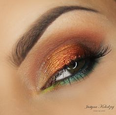 We're in a love-love relationship with this look created by Justyna Kolodziej. She used all sorts of Makeup Geek eyeshadows—Bada Bing, Beaches and Cream, Cocoa Bear, Crème Brulee, Peacock, Vanilla Bean, Frappe, Flame Thrower (foiled), and Untamed (foiled).