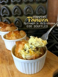 Copycat Panera Spinach and Artichoke Egg Souffles. Fluffy eggs in a delicious spinach artichoke batter baked in layers of light layers of crust will impress weekend guests and the best part is they are SO easy to make! Breakfast Desayunos, Breakfast Dishes, Breakfast Recipes, Breakfast Ideas, Brunch Egg Dishes, Brunch Ideas, Breakfast Casserole, Souffle Recipes, Panera Bread Souffle Recipe