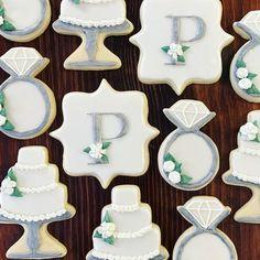 Engagement Party Cookies, Wedding Dress Cookies, Cookie Wedding Favors, Wedding Sweets, Formal Wedding Reception, Bridesmaid Cookies, Tribal Wedding, Anniversary Cookies, Succulent Cupcakes