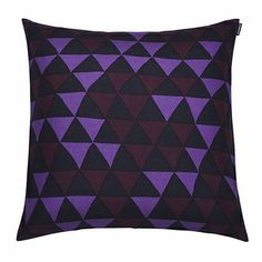 Marimekko Hippa Violet Throw Pillow Geometric patterns are known for being mesmerizing, but the effect is only escalated by mother-daughter design duo Maija and Kristina Isola's clever coloring techniques. Geometric Pillow, Geometric Patterns, Purple Hues, Nordic Design, Marimekko, Home Collections, Soft Furnishings, Ultra Violet, Scandinavian Design