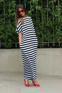 Black & White Striped Maxi Dress Knit Dress by cherryblossomsdress Comfy Dresses, Casual Summer Dresses, Trendy Dresses, Elegant Dresses, Nice Dresses, Fashion Dresses, Dress Casual, Dress Summer, Summer Outfits