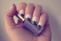 Isla Everywhere: Daily nail / vol. 4 / White and grey nails made with pattern edge scissors and tape