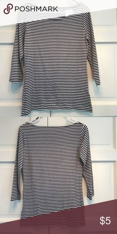H&M Blue and White Striped Top. M NWT. 3/4 Length Sleeve top. 95^ cotton. 5% elastic. Size M H&M Tops Blouses