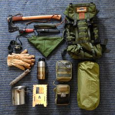 Vintage bushcraft techniques that all wilderness hardcore will most likely wish to know right now. This is essentials for wilderness survival and will certainly save your life. Bushcraft Camping, Bushcraft Kit, Bushcraft Equipment, Bushcraft Backpack, Bushcraft Skills, Camping Survival, Outdoor Survival, Camping Equipment, Survival Gear