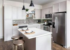 Small L Shaped Kitchen Design With Island - Kitchen Photos Collections Small L Shaped Kitchens, Small Condo Kitchen, L Shaped Kitchen Designs, Open Kitchen And Living Room, U Shaped Kitchen, L Shape Kitchen Layout, Kitchen Layouts With Island, Simple Kitchen Design, Island Kitchen