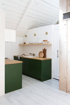 palm springs A-frame kitchen renovation // sarah sherman samuel - Before After Home Deco Design, Küchen Design, House Design, Design Ideas, Design Trends, Green Kitchen, Kitchen Dining, Brass Kitchen, Kitchen Colors