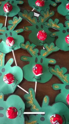 Reindeers and lollipops! What a lovely idea!