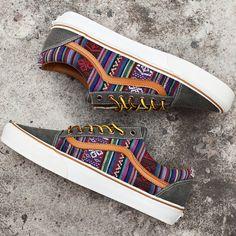 (75) Fancy - Vans Classics Old Skool Guate Sneakers