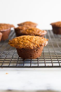Morning Glory Muffins made with oat flour, greek yogurt & honey! A Food, Good Food, Food And Drink, Healthy Breakfast Recipes, Healthy Recipes, Morning Glory Muffins, Healthy Sugar, Quick Bread, Oat Flour
