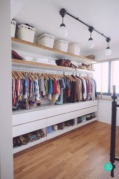 Walk In Closet Ideas - Searching for some fresh ideas to redesign your closet? See our gallery of leading deluxe walk in closet layout ideas and images. Bedroom Closet Design, Closet Designs, Bedroom Storage, Bedroom Decor, Small Bedroom Designs, Ikea Bedroom, Closet Storage, Open Wardrobe, Wardrobe Room