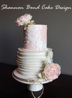 Country Chic Lace Cake / Shannon Bond Cake Design/ www.sbcakedesign.com