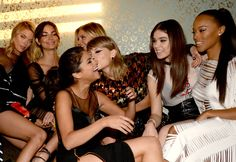 Taylor with her squad at the 2015 VMAs after party! 8.30.15