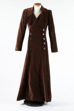Vintage 70s beige classic women/'s trench coat \u2022 Vintage cloak \u2022 Great coat \u2022 Maxi coat \u2022 Vintage clothing \u2022 oversized coat\u2022