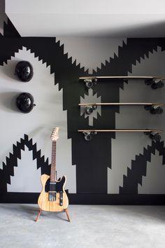 Garage Design Ideas From HGTV Urban Oasis 2015 >> http://www.hgtv.com/design/hgtv-urban-oasis/2015/garage-pictures-from-hgtv-urban-oasis-2015-pictures?soc=pinterest