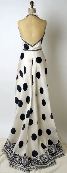 Carolina Herrera Dress - back - late 20th century. Hay que amar los vestidos de Carolina Herrera!