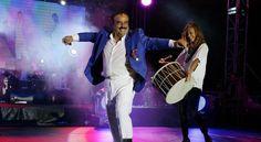 Bülent Serttaş'tan Festivalde, Eğlenceli Sahne Performansı