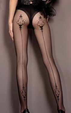 Another stunning pair of printed tights from Ballerina! The gorgeous 20 denier Desdemona tights feature a lovely print running up the seam with eye catching metallic style detailing. Made from a quality nylon blend, these tights have quite a bit of stretch to them and are perfect for wearing day or night.