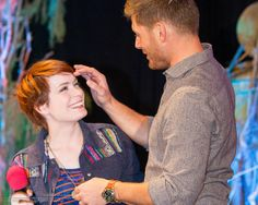 like I didn't want to be Felicia Day enough....then I see this picture!! ←agreed♥