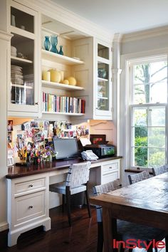 This beautiful built in desk in the Seinfeld home helps the kids and parents stay organized.