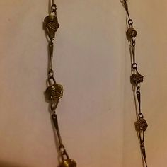 28inch gold tone chain Costume Jewelry. There are no markings for silver or gold this item may contain nickel or other commonly used metals in costume jewelry the jewelry items on this page will be packaged in bags not boxes. And sealed safely for transport. Jewelry Necklaces